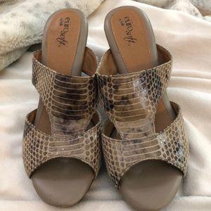 Eurosoft by Sofft size 8.5 heeled sandal